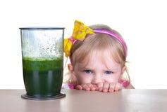 健康食物,绿色圆滑的人 免版税库存图片