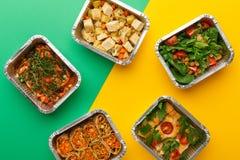 健康饭食交付 吃正确的概念,复制空间,顶视图 免版税图库摄影