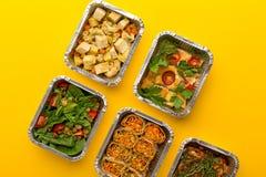 健康饭食交付 吃正确的概念,复制空间,顶视图 免版税库存图片