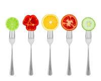 健康饮食、有机食品在叉子与菜和果子 库存图片