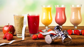 健康饮食、蛋白质震动、体育和健身 库存照片