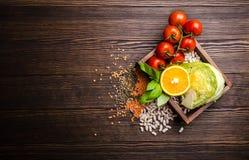 健康饮食食物顶视图  免版税图库摄影