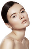 健康&温泉秀丽 与干净的皮肤&自然构成的模型 免版税库存图片