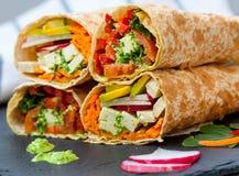 健康素食主义者沙拉玉米粉薄烙饼套 图库摄影