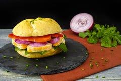 健康素食素食者三明治用法国软干酪,大鹏 免版税库存照片