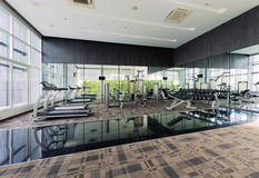 健身中心室内设计,健身房 免版税库存图片