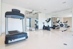 健身健身房在家。 库存照片