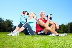 健身夫妇。 免版税库存照片