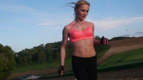 健身妇女赛跑 影视素材