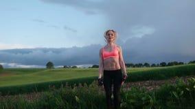 健身妇女锻炼 股票录像