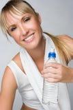 健身微笑的妇女 免版税库存图片