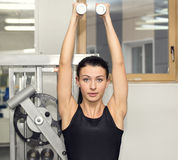 健身房的女孩体育的 库存图片