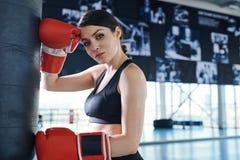 健身房的拳击手 免版税图库摄影