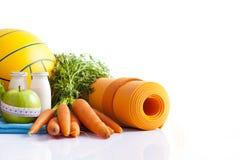 健身食物和瑜伽伙伴 免版税库存图片