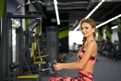 健身 妇女 体操 免版税库存图片