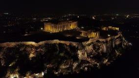 偶象古老上城小山空中夜录影和帕台农神庙在晚上,雅典历史的中心 股票录像