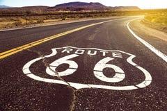 偶象路线66签到美国沙漠土地 免版税图库摄影