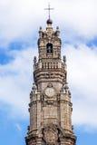 偶象Clerigos塔的上面在波尔图,葡萄牙 库存图片