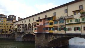 偶象Vecchio桥梁在亚诺河的佛罗伦萨叫Ponte Vecchio -托斯卡纳 股票录像