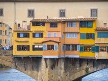 偶象Vecchio桥梁在亚诺河的佛罗伦萨叫Ponte Vecchio 图库摄影