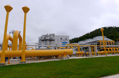 储气和管道在伊赫蒂曼,保加利亚ot 10月 13日2015年 免版税图库摄影