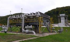 储气和管道在伊赫蒂曼,保加利亚ot 10月 13日2015年 库存照片