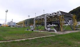 储气和管道在伊赫蒂曼,保加利亚ot 10月 13日2015年 免版税库存图片