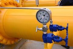 储气和管道在伊赫蒂曼,保加利亚ot 10月 13日2015年 免版税库存照片