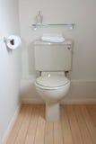 储水池现代洗手间 图库摄影