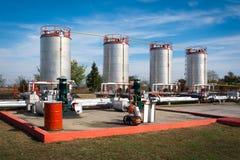储油和管道 免版税库存图片