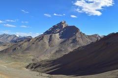 给催眠的干燥风景在Leh拉达克的喜马拉雅山区域 库存照片