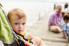 婴儿推车的婴孩 免版税库存图片