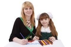 儿童一起母亲绘画 免版税库存图片