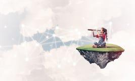 儿童互联网通信或在网上使用和pa想法  免版税图库摄影