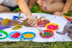 儿童凹道在夏天公园 库存图片