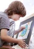 儿童凹道在家 库存图片