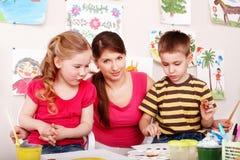 儿童凹道绘作用空间教师 免版税库存图片