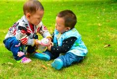 儿童劫掠玩具 库存照片