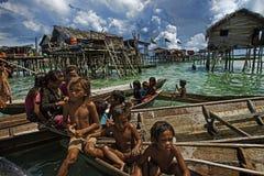 儿童吉普赛人马来西亚沙巴海运 免版税库存图片