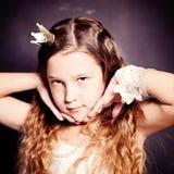 儿童女孩秀丽画象  青少年的年轻人 免版税库存照片
