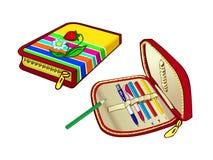 儿童学校的笔匣 笔和色的铅笔的得心应手的囊 免版税图库摄影