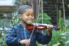 儿童小提琴手 免版税图库摄影