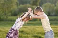 儿童战斗 免版税库存照片