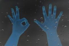 从儿童手的手指 免版税库存图片