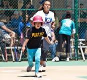 儿童有残障的同盟奇迹垒球 库存图片