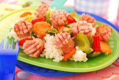 儿童正餐米香肠蔬菜 库存图片
