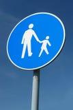 儿童步行者roadsign 免版税库存照片