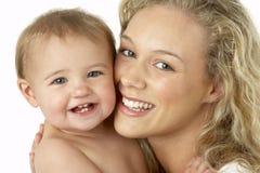 儿童母亲微笑 库存照片
