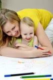 儿童母亲绘画 库存照片