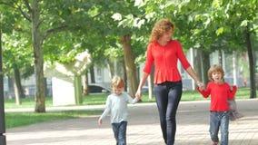 儿童母亲路径二走的年轻人 股票录像